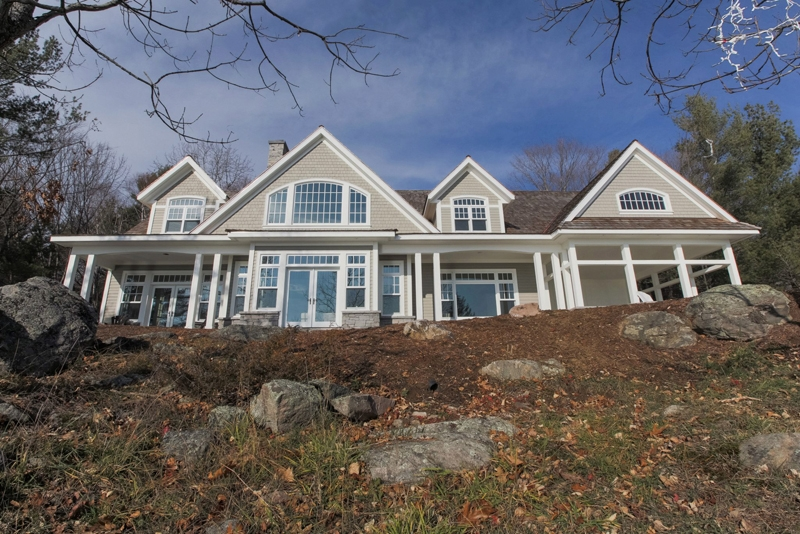 rosseau-lake-side-view-exterior-painting